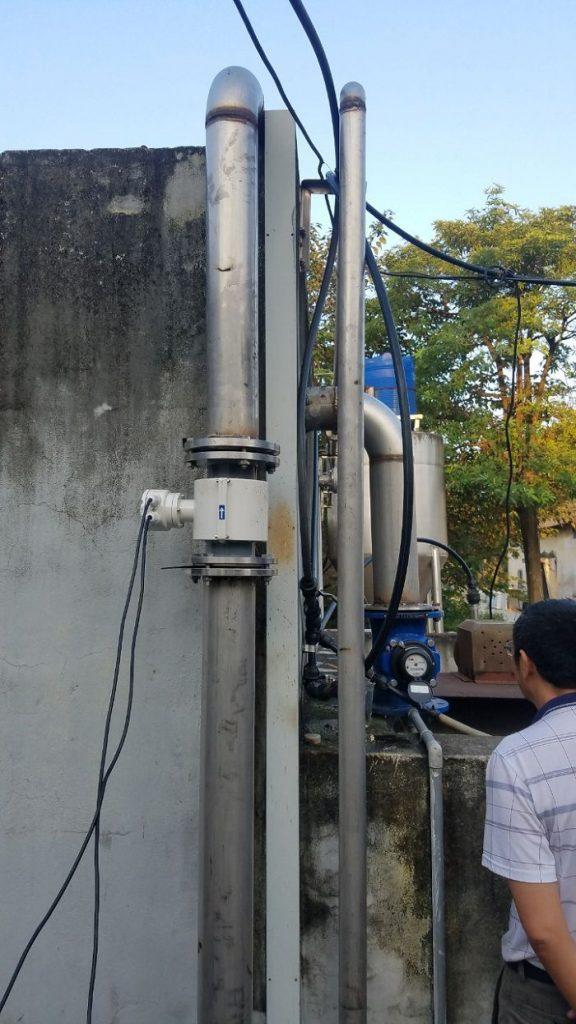 lắp đặt đồng hồ đo lưu lượng nước DN100