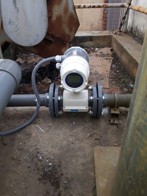 lắp đặt đồng hồ đo lưu lượng nước DN50